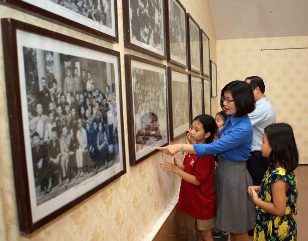 """6·1国际儿童节:""""胡伯伯与青少年""""展览会展示活动丰富多彩 hinh anh 1"""