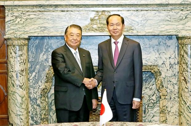 越南国家主席陈大光会见日本众议院议长大岛理森 hinh anh 1