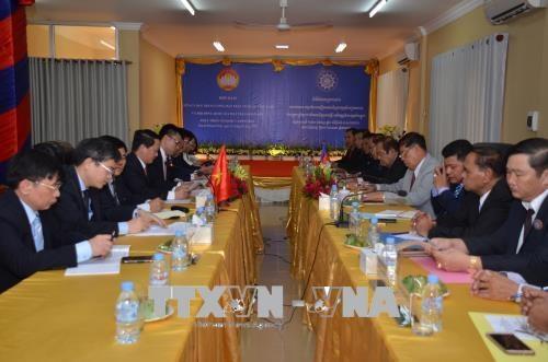 越南祖国阵线加强与柬埔寨祖国团结发展阵线的合作 hinh anh 1