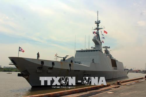 法国海军军舰对胡志明市进行友好访问 hinh anh 1
