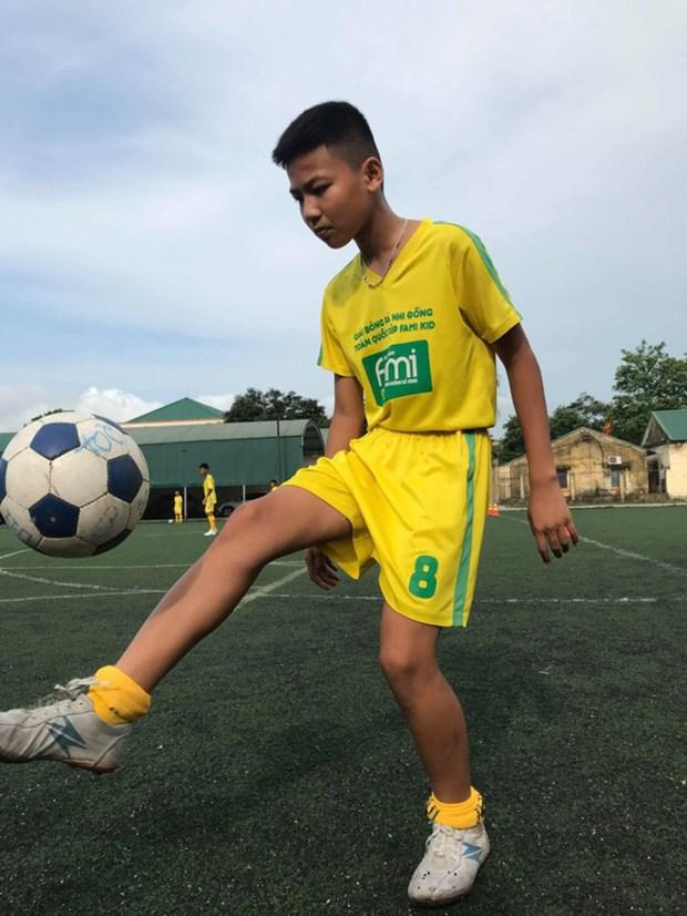 越南的两名儿童球员将前往俄罗斯参加国际足球赛 hinh anh 1