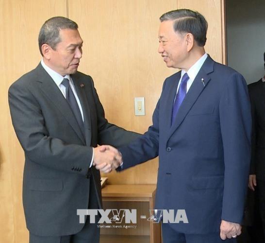 越南公安部部长会见日本国家公安委员长与国家警察机构司令 hinh anh 1