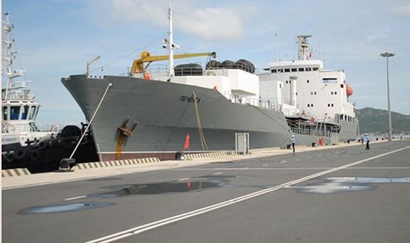 俄罗斯军舰访问越南金兰国际港 hinh anh 1