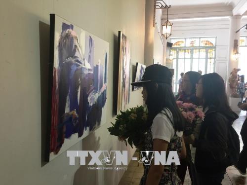 第二届越法国际美术交流展在胡志明市举行 hinh anh 2