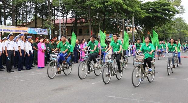 越南举行集会响应国家环境卫生周和世界环境日 hinh anh 1