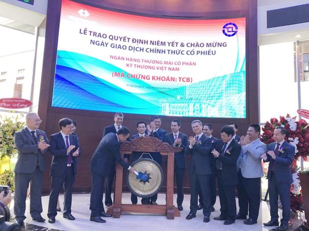 越南技术与商业银行正式挂牌上市 hinh anh 1