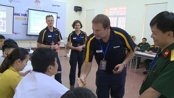 澳大利亚提供培训服务 提高越南航空和陆路应急救援能力 hinh anh 1