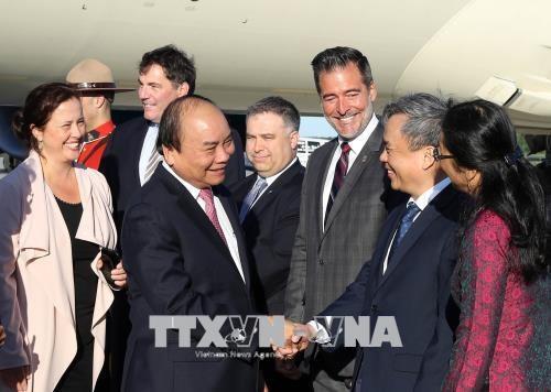 阮春福总理抵达机场 开始访加并出席G7峰会扩大会议之旅 hinh anh 1