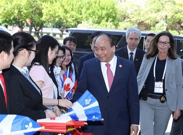 政府总理阮春福出席加拿大拉瓦尔大学智能技术展示活动 hinh anh 2
