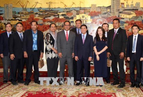 越南海防市与密克罗尼西亚希望就海洋经济领域进行合作 hinh anh 2