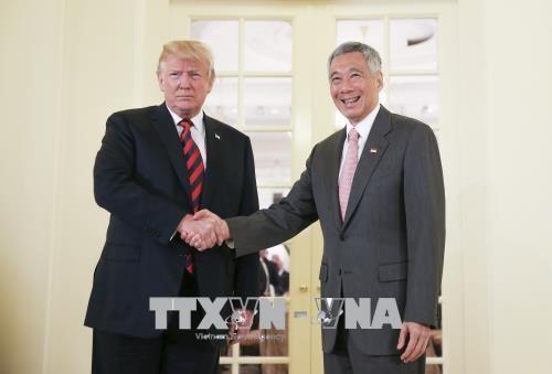 美朝历史性峰会:特朗普会见新加坡总理 hinh anh 1