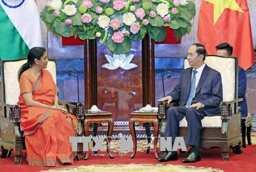 越南国家主席陈大光会见印度国防部长尼玛拉·西塔拉曼 hinh anh 1