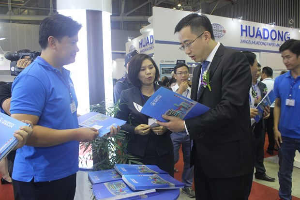 2018年国际橡胶、造纸、涂料、打印机粉墨墨水展览会在胡志明市开幕 hinh anh 1