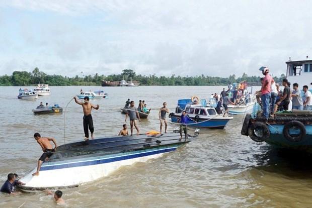 印尼木船翻覆事故造成 至少13人死亡 hinh anh 1