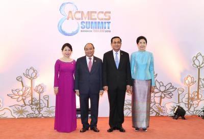 政府总理阮春福与泰国总理巴育·占奥差举行会谈 hinh anh 1