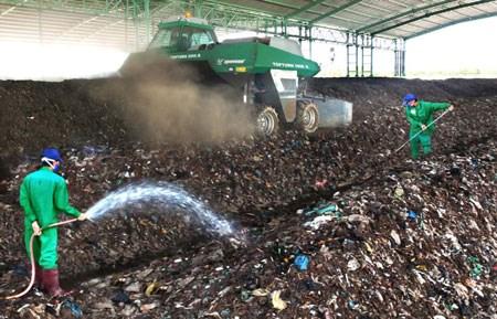 越南高度重视固体废弃物处理工作 hinh anh 1