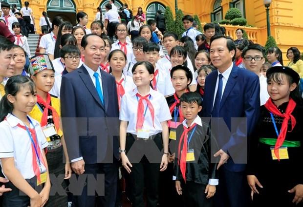 越南国家主席陈大光与全国优秀特困儿童会面 hinh anh 2