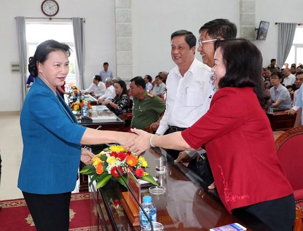 越南国会主席阮氏金银在芹苴市开展选民接待活动 hinh anh 1