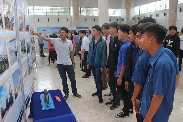 越南海洋岛屿:海洋岛屿和海军战士图片展在西宁省开展 hinh anh 1