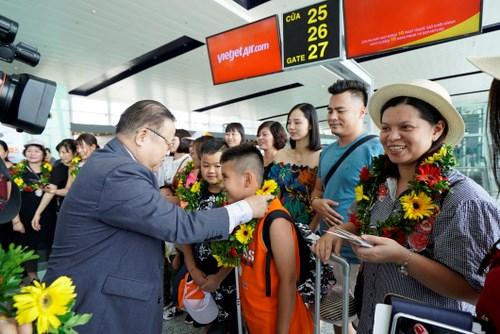 越捷航空公司迎来河内至台中首个直达航班 hinh anh 2