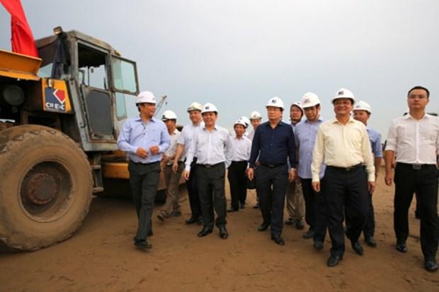 政府副总理郑廷勇主持会议 检查北南高速公路项目施工进度 hinh anh 1