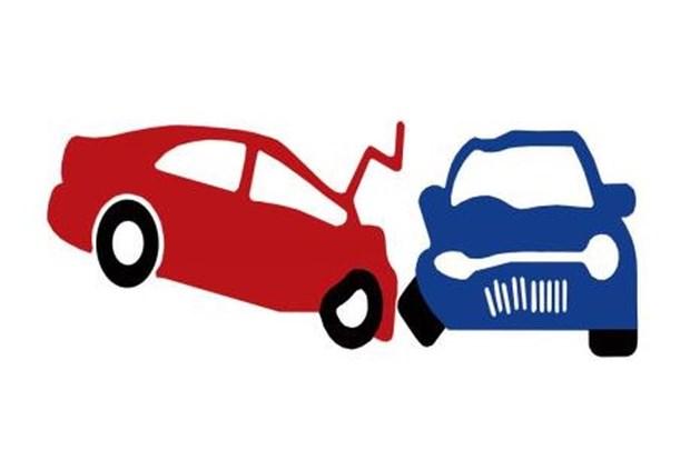 承载越南劳工的汽车在老挝出车祸 致使2人死亡 hinh anh 1