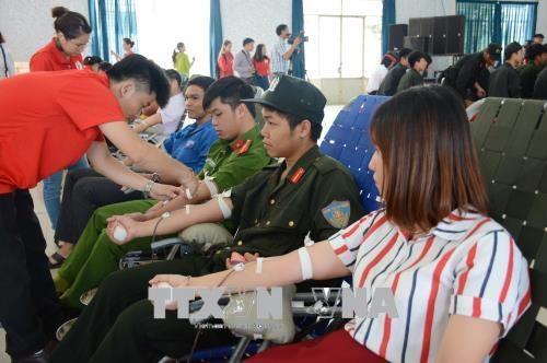 2018年红色行程共采集血液9300个单位 hinh anh 1