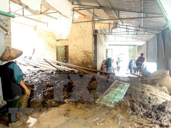 北部山区暴雨洪水灾害:采取措施 做好灾后恢复重建工作 hinh anh 1