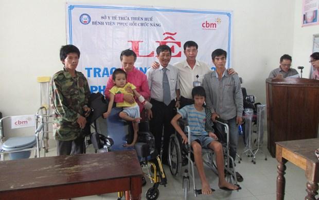 外国组织携手为承天顺化省儿童和残疾人提供帮助 hinh anh 1