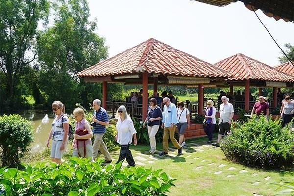 越南为西欧五国游客提供三年免签政策 hinh anh 1