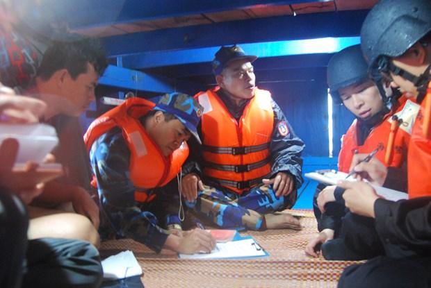 每位渔民都是法律宣传使者 hinh anh 1