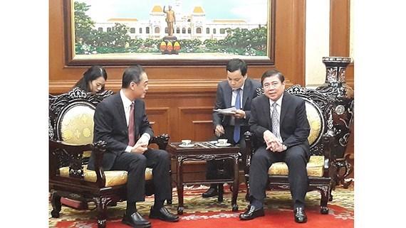 胡志明市领导会见中国驻胡志明市新任总领事 hinh anh 1