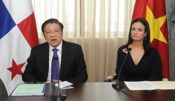 越南共产党代表团访问巴拿马 hinh anh 2