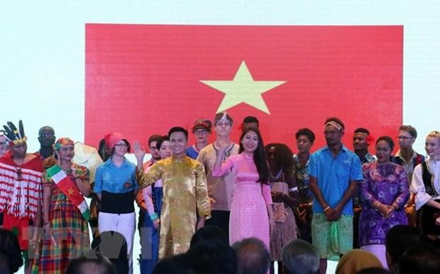 印度尼西亚为44个国家的学生提供艺术文化奖学金 hinh anh 1