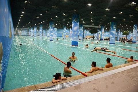 夏季高温来袭 游泳是消暑解热的最佳方式 hinh anh 1