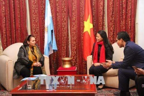 越南妇女代表团访问阿根廷 hinh anh 3