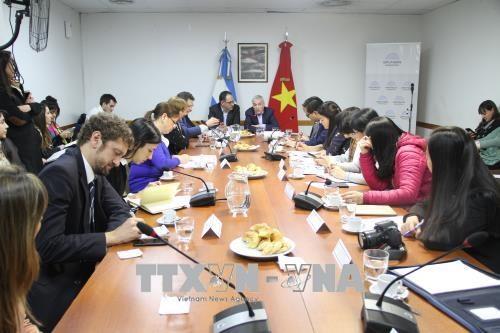 越南妇女代表团访问阿根廷 hinh anh 2