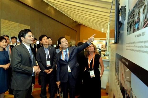 越南出席2018年世界城市峰会市长论坛 hinh anh 1