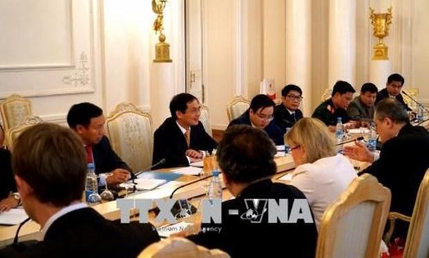 越南与俄罗斯着力促进全面合作关系活跃发展 hinh anh 1