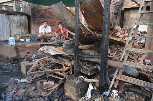 越南领导人向旅居柬埔寨越南火灾灾民致慰问电 hinh anh 1