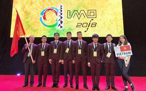 越南数学奥林匹克竞赛者全获奖 满载而归 hinh anh 1