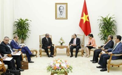 越南政府总理阮春福会见阿尔及利亚外长迈萨赫勒 hinh anh 1