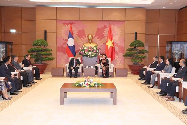越南国会主席阮氏金银会见老挝国会副主席森暖 hinh anh 1