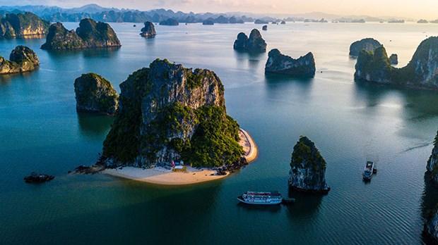 下龙湾被列入世界最美的100 处遗产名录 hinh anh 2