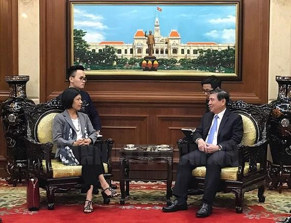胡志明市人民委员会主席阮成锋会见加拿大和立陶宛驻越大使 hinh anh 1