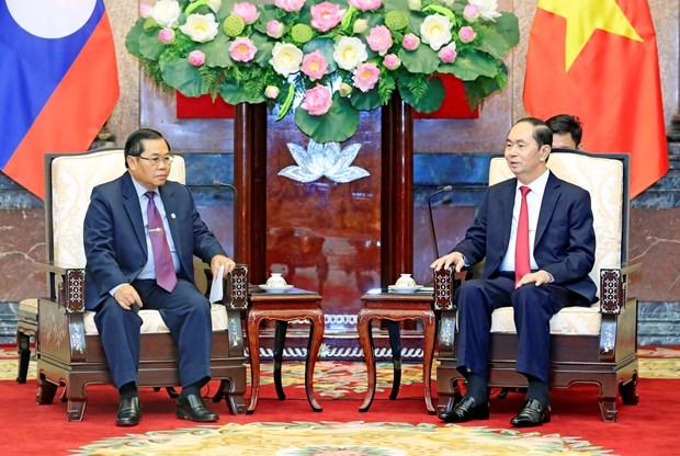 越南国家主席陈大光会见老挝国会副主席森暖 hinh anh 1