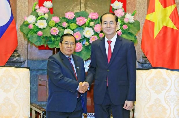 越南国家主席陈大光会见老挝国会副主席森暖 hinh anh 2