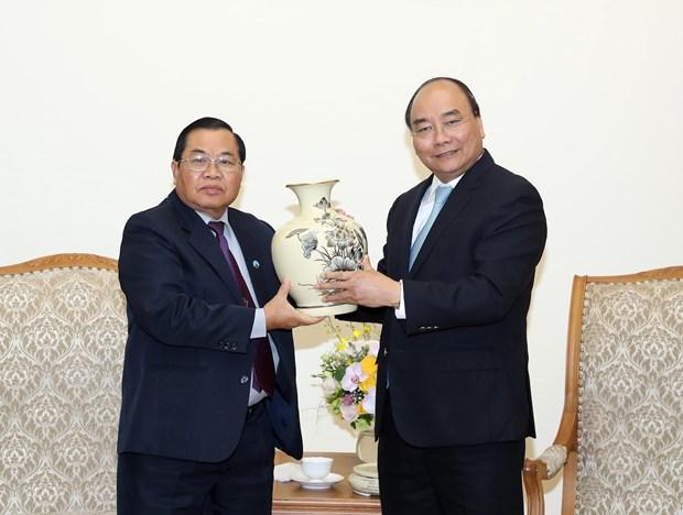 越南政府总理阮春福会见老挝国会副主席森暖• 赛雅拉 hinh anh 2