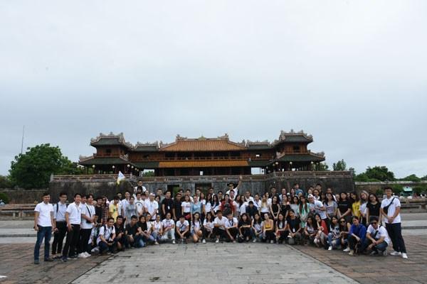 2018年越南夏令营活动:探索顺化古都之美 hinh anh 1