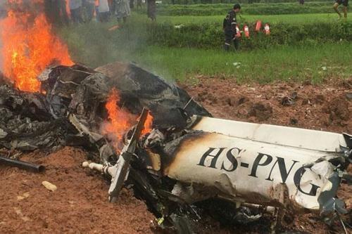 泰国一架直升机坠毁致多人遇难 hinh anh 1